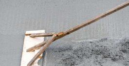 Wylewka anhydrytowa gipsowa – najważniejsze zalety i wady